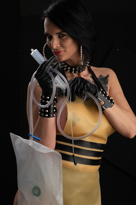 Latex Vamp 09