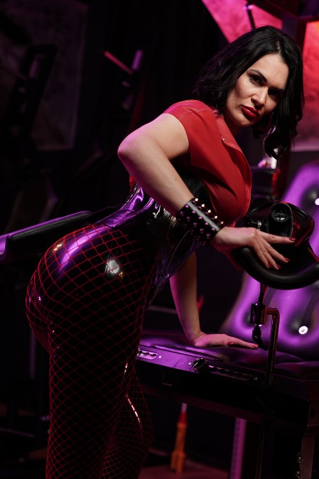 Galerie Red and Black Latex 05