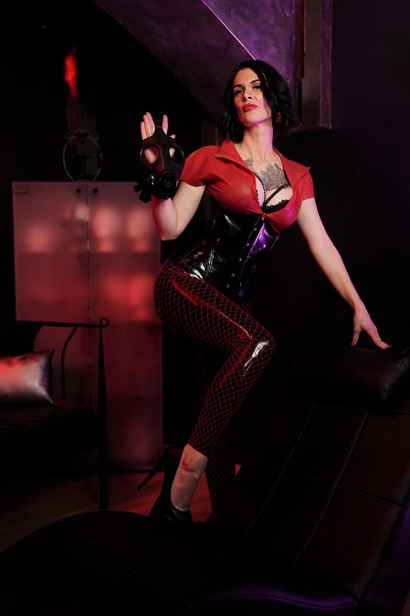 Galerie Red and Black Latex 07